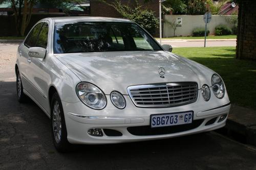 Mercedes benz mercedes benz e200 kompressor 2005 model for Mercedes benz kompressor 2005