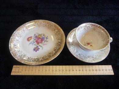 english bavaria elfenbein porzellan tea cup saucer side plate was sold for on 28. Black Bedroom Furniture Sets. Home Design Ideas