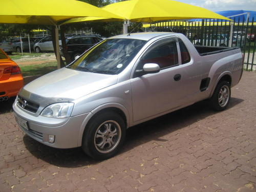 opel opel corsa bakkie 1 7 dti 2005 model very economic. Black Bedroom Furniture Sets. Home Design Ideas