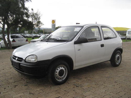 opel opel corsa lite 1999 model excellent cond very economic was listed for r37. Black Bedroom Furniture Sets. Home Design Ideas