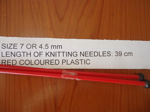 Size 7 Knitting Needles Stitches Per Inch : Patterns - SIZE 7 OR 4.5mm COLOURED RED PLASTIC KNITTING NEEDLES - LENGTH 31 ...
