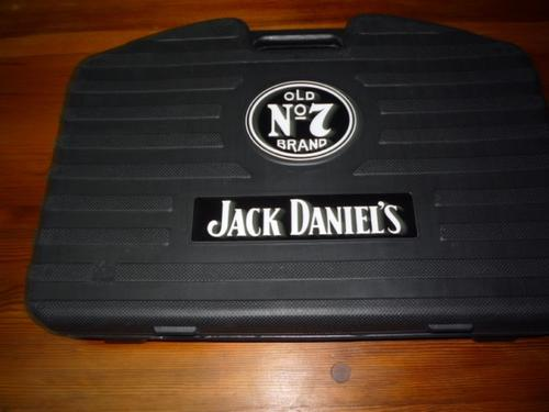 bar accessories jack daniels 18 piece braai set in case was sold for on 9 dec at 20 16. Black Bedroom Furniture Sets. Home Design Ideas